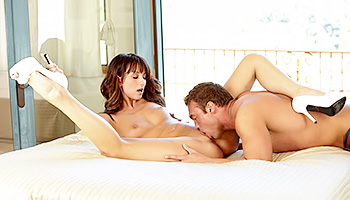 Brunette knockout falls for a endowed stud