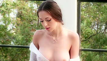 Mesmerizing brunette shines with sexual class