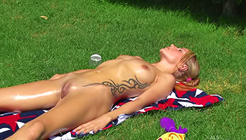 She masturbates in the open outdoors
