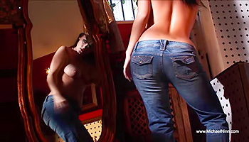 Tight raven honey fiddles her clit