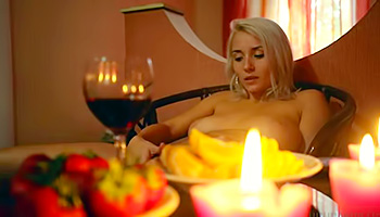 Candles strawberries and masturbation for the pussy