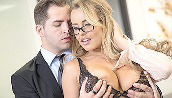 Sexy secretary gets creamed good